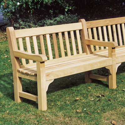 2400 Cavendish Seat with central leg and arm in iroko