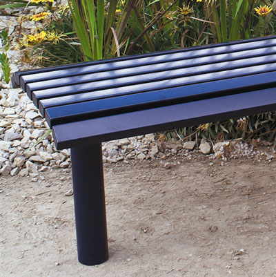 Greenwich Bench in 20C40 dark blue